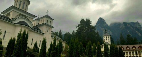 Iubiți de Dumnezeu. Mânăstirea Caraiman.